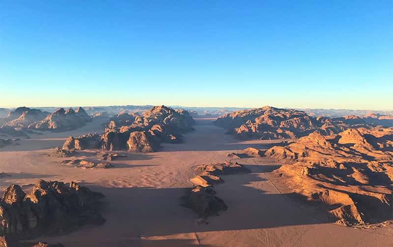 wadi rum hot air balloon tours